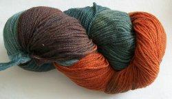 Wolle pur in braungrün