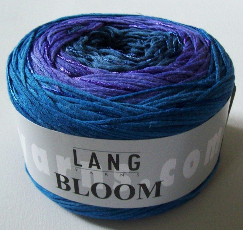 Bloom in blauliladunkelblau